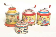 Best ever retro kitsch vintage children's toys, the tinkle tinkle, I often carry one of these around with me in my bag, it's great stress relief Muziekdoosje My Childhood Memories, Childhood Toys, Sweet Memories, Retro Toys, Vintage Toys, Good Old Times, Tin Toys, Children's Toys, 90s Kids
