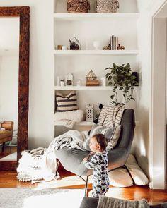 FOLLOW @BLUEBIRDKISSES ON INSTAGRAM FOR MORE _ Built in shelves. White shelves.