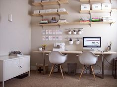 Live this executive home office design! Take charge in a room that is styled just for the leader! office beautiful office design Home Office. Tiny Office, Home Office Space, Home Office Design, White Office, Bright Office, Desk Space, Office Style, Ikea Office, Office Workspace