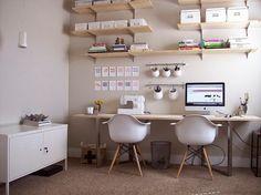 Encore un grand bureau collectif (Couture, coloriage, Imac, bricolage enfants…