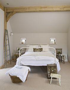 Border Oak - Bedroom with simple oak framing