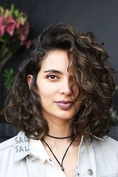 Sublime 12 Natural Short Curly Hairstyle https://fazhion.co/2017/12/12/12-natural-short-curly-hairstyle/ Curly hair is always a blessing and never a curse. If you're hair is short, you will never know how to feel like all of these curly beauties. Curly ...