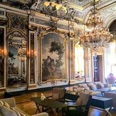 """Another public holiday, but this time in a 16th century palazzo  @aman #amancanalgrande #madeinitaly #palazzopapadopoli #Venice"""