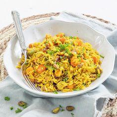 Pilav rijst - Leuke recepten My Favorite Food, Favorite Recipes, Fried Rice, Risotto, Vegetarian Recipes, Curry, Melk, Veggies, Pasta