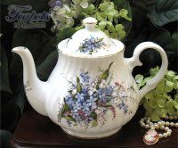 Heirloom Forget Me Not Bone China 6 Cup Teapot
