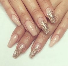 In look for some nail designs and ideas for your nails? Listed here is our list of 27 must-try coffin acrylic nails for stylish women. Fancy Nails, Gold Nails, Beige Nails, Glitter Nails, Black And Nude Nails, Gorgeous Nails, Pretty Nails, Ongles Beiges, Hair And Nails