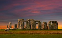 Stonehenge is a prehistoric monument in Wiltshire, England. It is the remains of a ring of standing stones set within earthworks. Stonehenge Uk, Before The Fall, Engraving Illustration, Famous Places, Day Tours, Ancient Art, Ancient History, Day Trip, Paisajes