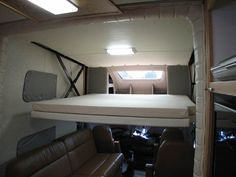 powerhouse coach motorhome | This bunk can accommodate 3 children and this is also a powerdown jack ...