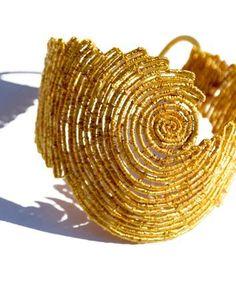 Nazca Bracelet by Gabriela Horvat Macrame Colar, Macrame Earrings, Macrame Art, Macrame Knots, Macrame Jewelry, Wire Jewelry, Jewelry Art, Handmade Jewelry, Jewellery