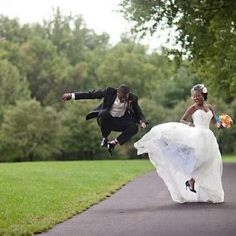 A great wedding pic and memory for them, I'm sure http://join-telexfree.com/atlantis