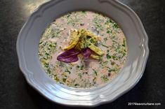 Ciorba de loboda, stevie, urzici sau salata Savori Urbane Soup Recipes, Cooking Recipes, Stevia, Oatmeal, Good Food, Urban, Breakfast, Supe, Kitchen