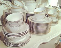 chatelet-teacups