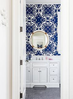 to Go Bold in a Small Bathroom Bold blue and white bathroom with coordinating colors of penny tiles and patterned wallpaper.Bold blue and white bathroom with coordinating colors of penny tiles and patterned wallpaper. Bad Inspiration, Bathroom Inspiration, Interior Inspiration, Diy Bathroom Remodel, Bathroom Interior, Budget Bathroom, Bathroom Remodeling, Bathroom Makeovers, Apartment Interior