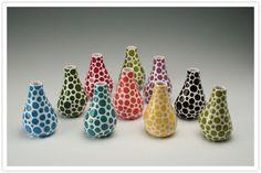 Семейная пара Dyna и John Bailey из Owl Creek Ceramics создают функциональные, но яркие и жизнерадостные вещи из керамики. Каждый предмет вылеплен и расписан вручную, поэтому каждый из них неповторим и прекрасен по-своему. Супруги совсем недавно отказались от постоянной работы в пользу своего…