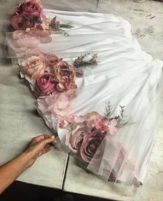 Fashion Ideas Going Out Beatrice Gale floral Skirt Flower Dresses, Cute Dresses, Cute Outfits, Skirt Fashion, Gypsy Fashion, Fashion Dresses, Fashion Beauty, Formation Couture, Looks Vintage