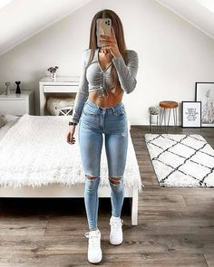 discover all our jewels and get discount 💖🥰 Teenage Outfits, Teen Fashion Outfits, Retro Outfits, Look Fashion, Girl Outfits, Fashion Design, Baddie Outfits Casual, Cute Casual Outfits, Simple Outfits