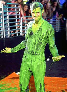Stars Getting Slimed: Nickelodeon Kids' Choice Awards: Taylor Lautner