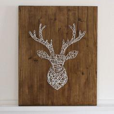 tableau t te de cerf clou et fil noir sur bois br l. Black Bedroom Furniture Sets. Home Design Ideas