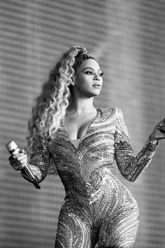 Check out Beyonce @ Iomoio Beyonce Knowles Carter, Beyonce And Jay Z, Destiny's Child, Britney Spears, Beyonce Performance, Mercedes Benz, Rihanna, Beyonce Style, Queen B