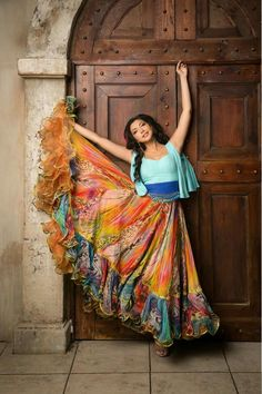 Choose skirt style from casual or party wear dresses. Watch this video on how to style skirt in different w. Indian Fashion Dresses, Dress Indian Style, Skirt Fashion, Boho Fashion, Modest Fashion, Long Dress Design, Long Gown Dress, Gypsy Women, Frocks For Girls