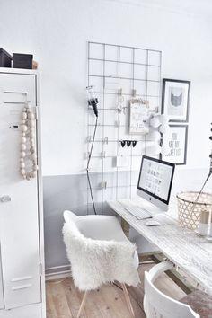 Minimal workspace interior #interiorgoals #minimalinterior #interiordecor #interiordesign #minimalworkspace / Pinterest: @fromluxewithlove / Instagram: @fromluxewithlove