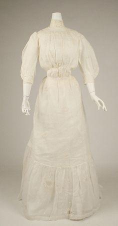 Dress  Date: 1900–1905 Culture: American Medium: cotton