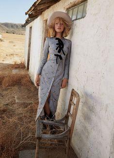 Lou Schoof Models Western Style in Harper's Bazaar Australia Fashion Shoot, Fashion Week, Look Fashion, Editorial Fashion, New Fashion, Trendy Fashion, Fashion Models, Kids Fashion, Womens Fashion