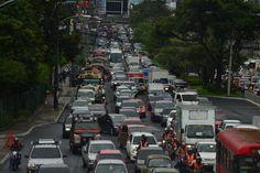 El trafico en ciudad de Guatemala — Detonantes | [ Arte+ ]