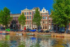 38686029-amsterdam-canals-and-typical-houses-holland-netherlands.jpg (450×300)