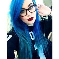 Blue, like the sea! | The HairCut Web!