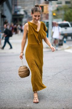 Surprise: It's all very effortless and chic on jenny walton