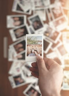 I want to get a Polaroid camera and do pics like this, someday. Polaroid Pictures, Polaroid Ideas, Polaroids, Polaroid Instax, Polaroid Camera, Fujifilm Instax, Instant Camera, Mini 8, Taking Pictures