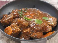 Avec les lectrices reporter de Femme Actuelle, découvrez les recettes de cuisine des internautes : Sauté de veau aux carottes