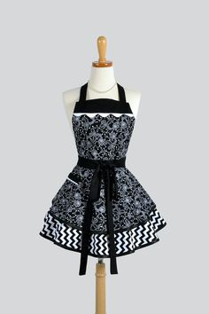 Ruffled Retro Apron / Modern Retro Womans Apron by CreativeChics, $45.00