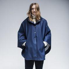 Stutterheim Öland cape in navy Rain Wear, Girls In Love, Spring Summer 2015, Girls Wear, Rainy Days, What To Wear, Rain Jacket, Windbreaker