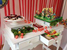 Snow White Party Dessert Table #snowwhite #desserttable