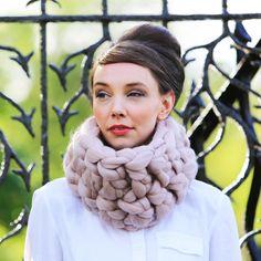 Gentle Giant Yarn Pure Merino by Wool Couture Giant Knitting, Knitting Kits, Arm Knitting, Knitting Needles, Chunky Wool, Chunky Crochet, Knit Crochet, Big Yarn, Gentle Giant