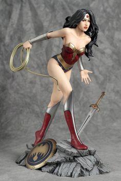 Wonder Woman 1/6 scale figure by Yamato