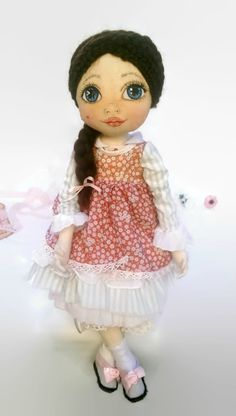 Beautifull handmade textile doll by KamomillaDesign. Handmade Dolls, Doll Face, Harajuku, Textiles, Hand Painted, Unique, Fabric, Style, Tejido