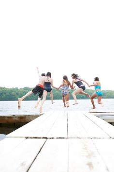 Heading to the lake this 4th of July?  Follow these safety tips.  Avoid drowning deaths.   http://www.amfam.com/learning-center/my-family/water-safety.asp?sourceid=PIN_ED_KIDLAK