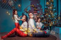Merry Christmas To All, Family Christmas, Christmas Humor, Christmas Cards, Bettie Page Photos, Funny Christmas Pictures, Family Humor, Family Photos, Concert