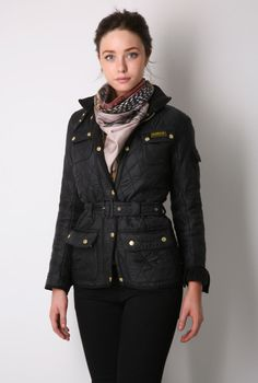 obsessed with this Barbour jacket though as shown in pic the sizes are ridiculously small. my friends a stick 8 and in a Barbour Jacket Women, Barbour Coats, Barbour International Jacket, A Well Traveled Woman, Outfits Otoño, Country Outfits, Swagg, Autumn Winter Fashion, Winter Style