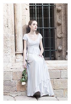 Vestido en gasa de seda y cuerpo joya. www.cristinatamborero.com