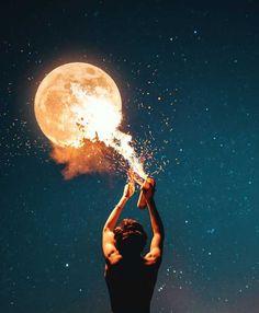 Artist Turns His Dreams into Breathtaking Surreal Photos Moon Photography, Surrealism Photography, Creative Photography, Amazing Photography, Photography Editing, Portrait Photography, Photography Guide, Underwater Photography, Photography Business