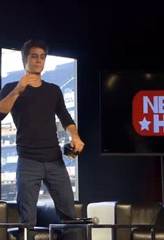 Dylan O'Brien gif at Nerd HQ 2013 for The Maze Runner movie - cutest thing ever