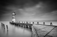 Podersdorf-lighthouse-blackandwhite.jpg (1200×795)
