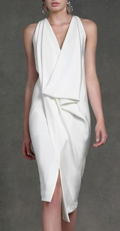 White dress by Donna Karan by SoBlue. Fashion details of clothes. Mode Chic, Mode Style, Fashion Mode, Womens Fashion, Fashion Night, Street Fashion, Elegantes Outfit, Business Outfit, Mode Inspiration