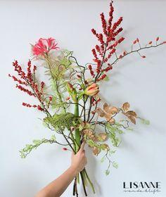 Bloemen Bijdehand   Een Kerstboeket Hello Beautiful, Flower Decorations, Wreaths, Abstract, Floral, Flowers, Christmas, Inspiration, Instagram