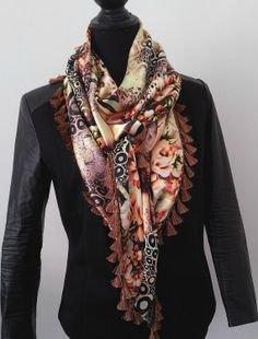 Floral Statement shawl by Beadsagogo on Etsy, $48.00