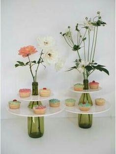 Flowers Painting Vase Glass Bottles 39 Ideas For 2019 Wine Bottle Crafts, Bottle Art, Bottles And Jars, Glass Bottles, Deco Floral, Diy Cake, Deco Table, Diy Party, Ideas Party